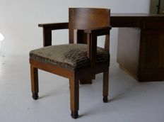 Jan Willem van der Weele - Amsterdam School desk and chair