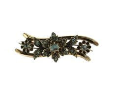 14 kt antique gold brooch fully set with rose diamonds - 19th century