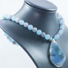 18 kt gold necklace with aquamarine and central slice-shaped agate - 46 cm