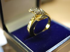 DADA ring, depiction of a frog, 18 dark diamonds, 18 kt gold - 18 mm
