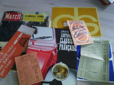 Lot of 8 car documents, brochure books and advertisements, Citroën DS,and others - 1935/1999