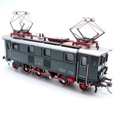 Fleischmann H0 - 4369 - Electric Locomotive BR132 class of the DB