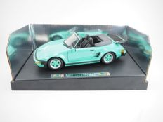 Revell - Scale 1/18 - Porsche 911 930 Turbo Slant Nose - Green