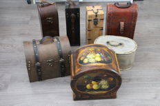 Lot consisting of seven wooden boxes/wine boxes - 2nd half of 20th century