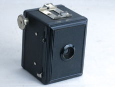 GAP box type 3x4 camera, circa 1946, case, EXC