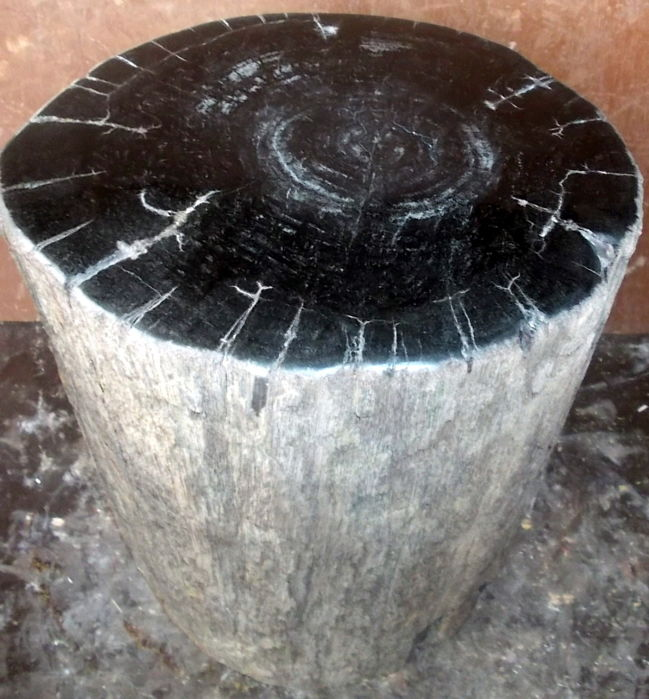Side table made from trunk of petrified wood - 30 x 24.5 x 21.5 cm - 22.4 kg