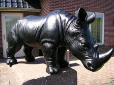 Sculpture of an imposing rhino