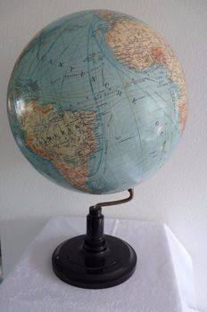 Large old Dutch globe by SVH
