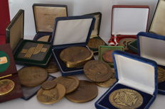 Lot of 18 bronze medals , Portugal 50´s 80´s 90´s