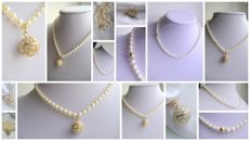 Akoya pearl necklace 5.8 mm with a 585 gold clasp + massive locket bead in 585 gold