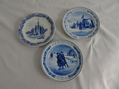 Porceleyne fles - 3 memorial plates Christmas 1927, 1983 and 1984