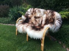 Pair of singe-tipped natural sheepskins - Ovis aries - 130 cm (2)