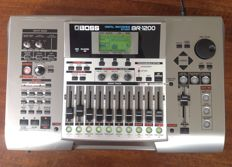 Roland/BOSS BR-1200CD - Digital 12 track Multitrack Recorder(40 GB) with CD-writer, top-effects and USB