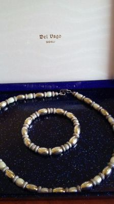 BOCCADAMOSilver and pearl necklace with matching bracelet. Silver (925/1000), 18 kt yellow gold plated silver, steel. Length: 42 cm