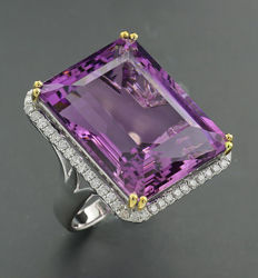 Prestigious especially large amethyst brilliant ring 49.50ct in total, 750 white gold