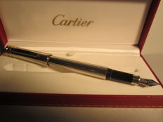 Rare and precious Cartier Trinity fountain pen platinum godron. Size: large, never used