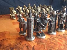 Bronze chess set of Christians against the Arabs