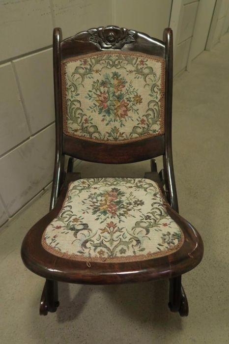 Outstanding Antique Small Foldable Wooden Rocking Chair With Gobelin Spiritservingveterans Wood Chair Design Ideas Spiritservingveteransorg