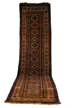 Iconic antique runner, Gendje Moghan, classic memling guls, 1860–1880.