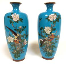 A fine pair of cloisonne vases - Japan - late 19th century (Meiji period)