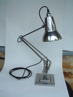 George Carwardine by Herbert Terry  - Anglepoise light Model 1227