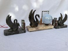 Art Deco bookends with atmospheric lamp and photo holder, bronzed zamak on marble base and opaline