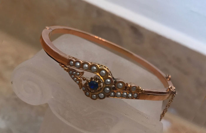 Biedermeier bracelet/bangle with sapphire and pearls/freshwater pearls, made of 585/14 kt gold, antique, circa 1860-1880