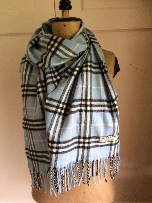 Burberry - scarf - 100% cashmere - beautiful light blue - large