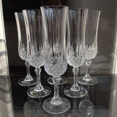 6 champagne flutes made of heavy hand-cut crystal