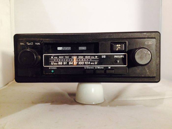 Philips 510 classic car radio from the 1970s Opel, Ford, Mercedes, Volkswagen.
