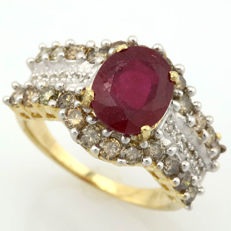 14K Yellow  Gold Ring With 3.04 ct Ruby  and 0.9 ct Diamonds - US Size 7.5