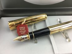 Parker Sonnet Athenes fountain pen with 18 karat pen nib.