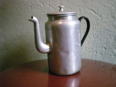 Klaas Gubbels - From his studio a coffee pot, source of inspiration