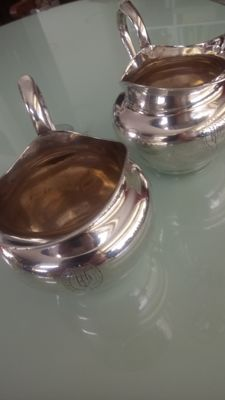 Pair of silver plated pots Christofle. Eind 19de century early 20th century