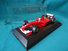 Hot Wheels - Scale 1/18 - Ferrari F1 2000 with autograph by Barrichello