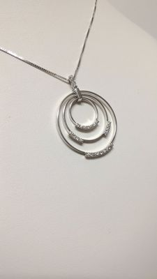 Necklace and pendant in 18 kt white gold with diamonds