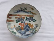 Imari bowl - Japan - 1830-70 (Late Edo/early Meiji Period)