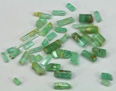 Top Grade Natural Rough Emerald Crystals with excellent Luster & Clarity - 70 ct