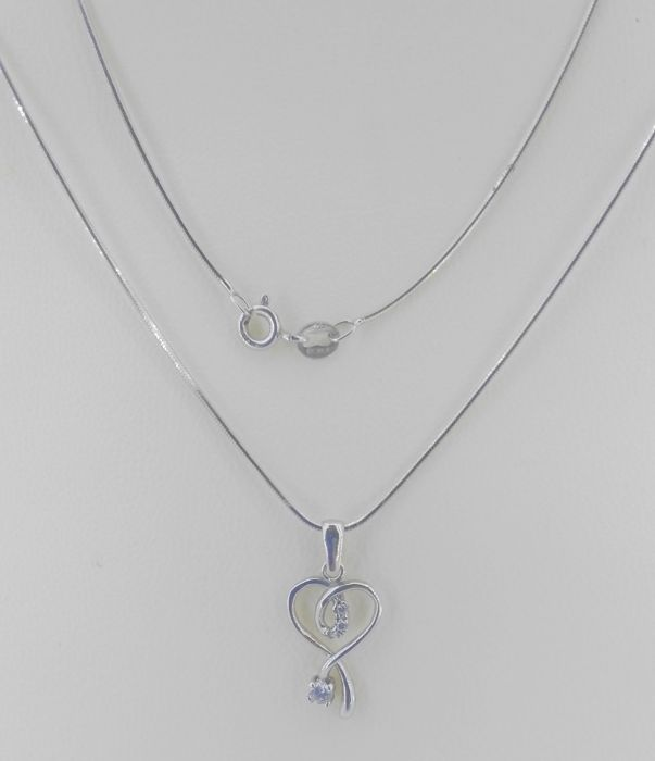 18 kt white gold choker and pendant with zirconias 45 cm