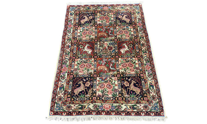 "Splendid Persian ""Bakhtiar Jahad"" rug depicting the ""Peresian Garden"" - 148 x 103 cm - In very good condition!"