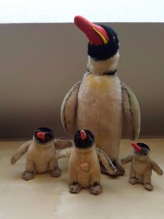 Steiff Germany - Penguin family