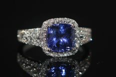 18 kt gold GIA certified ring set with natural tanzanite 2.64 ct and diamonds, size 53. NO RESERVE PRICE