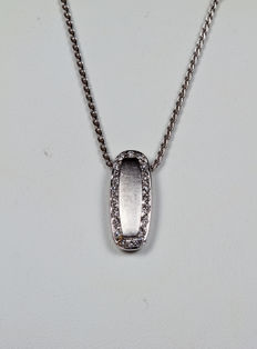 White gold chain and pendant with brilliant cut diamonds for 0.20 ct - Dimensions: 1.8 x 0.5 cm Chain length: 44 cm