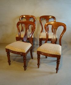 A set of four (stamped) Victorian Mahogany (dining room) chairs - England - ca. 1880