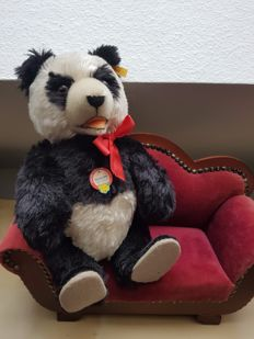 Steiff - #408311 - Germany - Panda Bear replica 1938