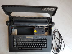 Typewriter Olivetti ET Compact 60