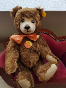 Steiff - #011054 - Germany - teddy bear