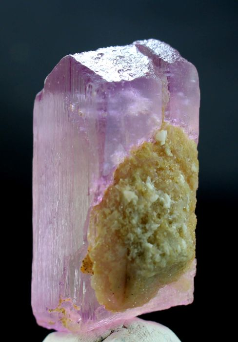 Top Class Undamaged & Double Terminated V Shape Hot Pink Twin Kunzite Crystal - 49 x 27 x 20 mm - 71 gm