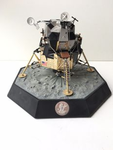 Franklin Mint limited edition Apollo 11 lunar with base