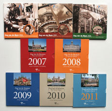 "The Netherlands - Year packs 2004/2011 ""Day of the Coin"" ( varieties) with silver medal"